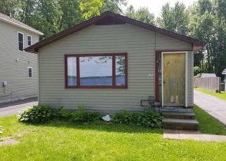 Foreclosed Home in Brewerton 13029 MUSKRAT BAY RD - Property ID: 4373492426