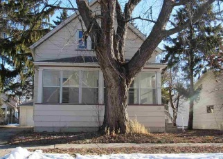 Foreclosed Home in Oshkosh 54901 GROVE ST - Property ID: 4373548939