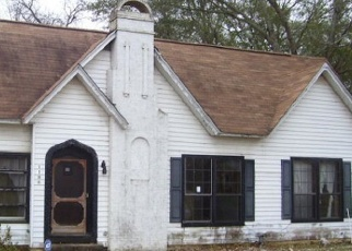 Foreclosed Home in Palestine 75801 E PARK AVE - Property ID: 4373736374
