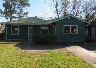 Foreclosed Home in Houston 77033 BATAAN RD - Property ID: 4373824408