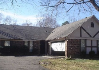Foreclosed Home in Memphis 38115 BERRYBROOK RD - Property ID: 4373861641