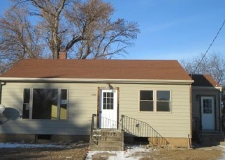 Foreclosed Home in Lennox 57039 W 1ST AVE - Property ID: 4373955811