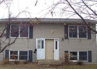 Foreclosed Home in Watertown 57201 8TH ST NW - Property ID: 4373957555
