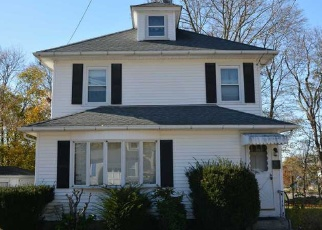 Foreclosed Home in Westerly 02891 HUNTER TER - Property ID: 4374032447