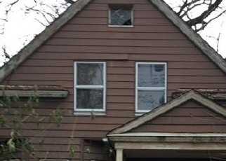 Foreclosed Home in Cleveland 44105 INDEPENDENCE RD - Property ID: 4374198439