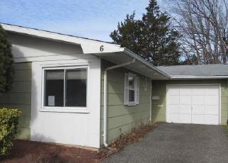 Foreclosed Home in Brick 08724 BRYANT RD - Property ID: 4374234801