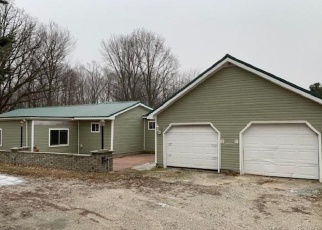 Foreclosed Home in Sumner 48889 W BUCHANAN RD - Property ID: 4374605767