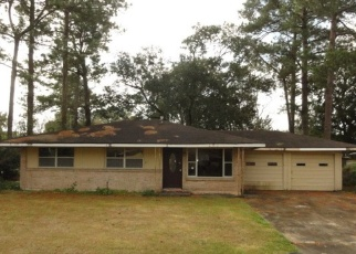 Foreclosed Home in Lafayette 70503 ALICE DR - Property ID: 4374708683