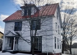 Foreclosed Home in Bellows Falls 05101 HENRY ST - Property ID: 4375301251