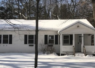 Foreclosed Home in Saugerties 12477 MANORVILLE RD - Property ID: 4375570616