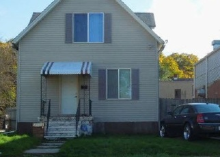 Foreclosed Home in Kenosha 53143 14TH AVE - Property ID: 4375584185