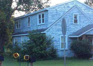 Foreclosed Home in Flat Rock 48134 W HURON RIVER DR - Property ID: 4375647255