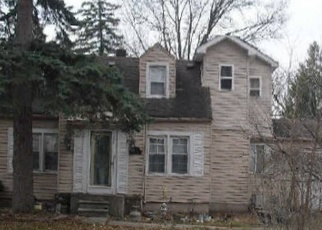 Foreclosed Home in Livonia 48150 HUBBELL ST - Property ID: 4375650316