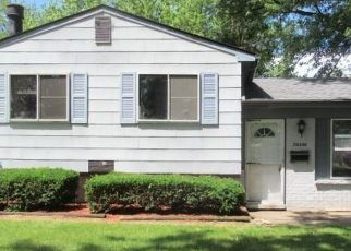 Foreclosed Home in Romulus 48174 GREENVIEW ST - Property ID: 4375663915