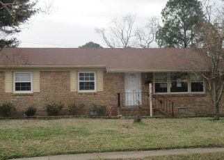 Foreclosed Home in Norfolk 23513 CAPE HENRY AVE - Property ID: 4375726532