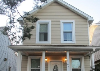 Foreclosed Home in Norfolk 23509 LYONS AVE - Property ID: 4375727860