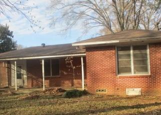 Foreclosed Home in Kilgore 75662 E LANTRIP ST - Property ID: 4375826839