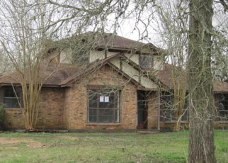 Foreclosed Home in Wharton 77488 PEACH CREEK DR - Property ID: 4375830784
