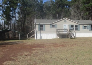Foreclosed Home in Marshall 75670 GRAY FOX RD - Property ID: 4375832522