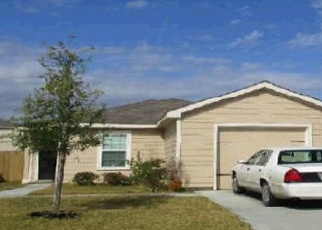 Foreclosed Home in Baytown 77523 GOLDEN COVE RD - Property ID: 4375885518
