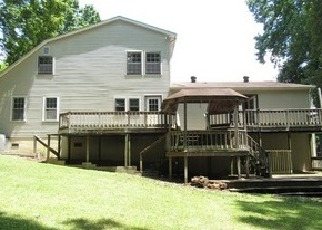 Foreclosed Home in Clarksville 37043 VAUGHAN RD - Property ID: 4375911801