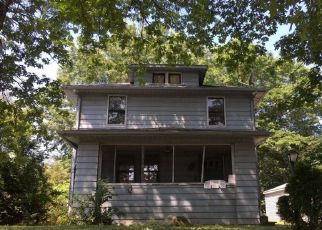 Foreclosed Home in Akron 44305 GARRY RD - Property ID: 4375931505