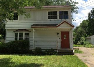 Foreclosed Home in Akron 44313 WILTSHIRE RD - Property ID: 4375932829