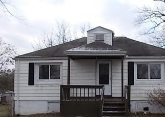 Foreclosed Home in Akron 44319 LEMAR AVE - Property ID: 4375942903