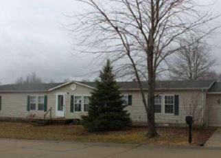 Foreclosed Home in Lebanon 62254 SPRING MEADOW TRL - Property ID: 4376092235