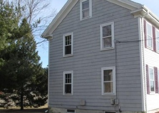 Foreclosed Home in Rumford 02916 PAWTUCKET AVE - Property ID: 4376109319