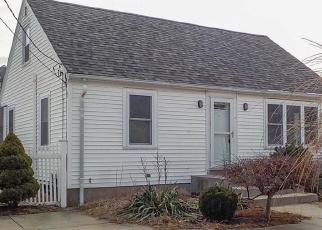 Foreclosed Home in Johnston 02919 WATERMAN AVE - Property ID: 4376110640