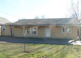 Foreclosed Home in Medford 97501 MEADOWS LN - Property ID: 4376211814