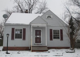 Foreclosed Home in Cleveland 44121 GREEN RD - Property ID: 4376326559