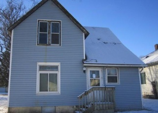 Foreclosed Home in Fairmont 56031 N ELM ST - Property ID: 4376585395