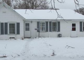 Foreclosed Home in Saint Peter 56082 LOCUST ST - Property ID: 4376605998