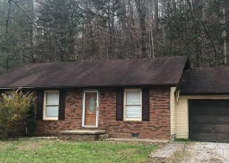 Foreclosed Home in Manchester 40962 HONEYSUCKLE RD - Property ID: 4377140310