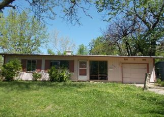 Foreclosed Home in Topeka 66611 SW CENTRAL PARK AVE - Property ID: 4377215199