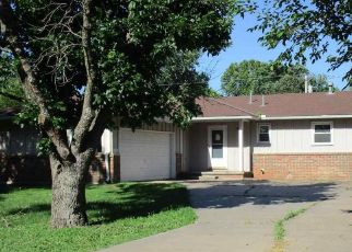 Foreclosed Home in Oxford 67119 N IOWA ST - Property ID: 4377233155