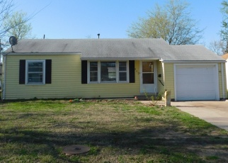 Foreclosed Home in Hutchinson 67502 W 20TH AVE - Property ID: 4377241486