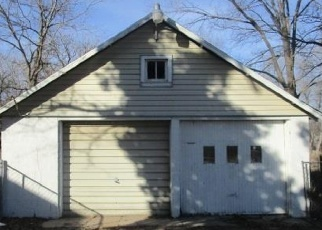 Foreclosed Home in Hutchinson 67502 WILSHIRE DR - Property ID: 4377312436