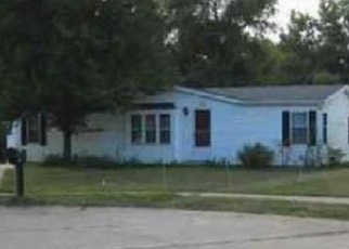 Foreclosed Home in Muscatine 52761 PEACHTREE ST - Property ID: 4377404860