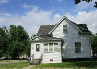 Foreclosed Home in Waterloo 50703 LANE ST - Property ID: 4377449969