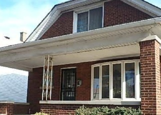 Foreclosed Home in Chicago 60617 S MANISTEE AVE - Property ID: 4377583990
