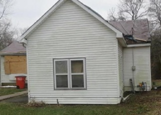 Foreclosed Home in Mulberry Grove 62262 E MAIN ST - Property ID: 4377590999