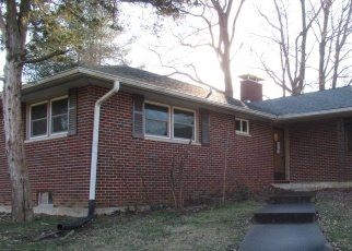 Foreclosed Home in Carbondale 62901 WOOD RD - Property ID: 4377615516