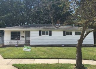 Foreclosed Home in Bedford 44146 RANDY RD - Property ID: 4377807348