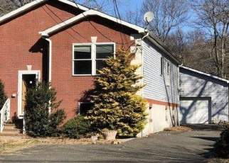 Foreclosed Home in Hightstown 08520 AIRPORT RD - Property ID: 4378064890