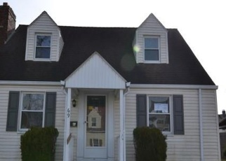 Foreclosed Home in Hartford 06114 CROMWELL ST - Property ID: 4378383279