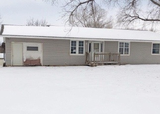Foreclosed Home in Hutchinson 67501 WESTSIDE VILLA DR - Property ID: 4378589571
