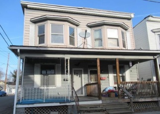 Foreclosed Home in Millersburg 17061 NORTH ST - Property ID: 4378726213